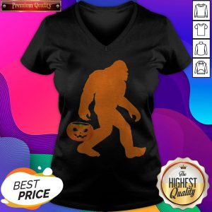Awesome Bigfoot Pumpkin Halloween Costume V-neck