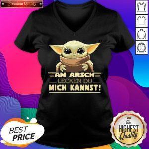 Nice Baby Yodda Am Arsch Lecken Du Mich Kannst V-neck- Design By Sheenytee.com